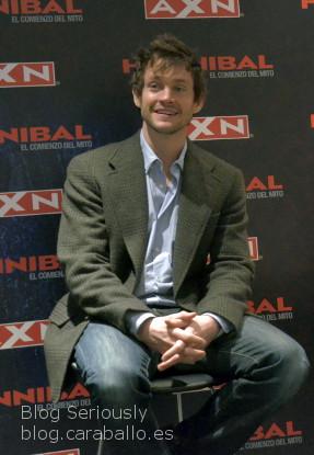 El simpático Hugh Dancy en el Birraseries de promoción de Hannibal