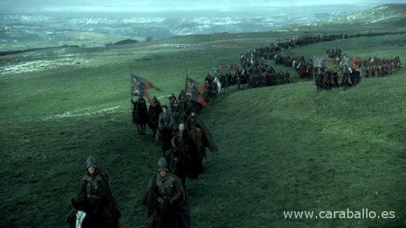 Juego de Tronos - La Montaña y la Víbora. Roose Bolton y su ejército marchan hacia las ruinas de Invernalia