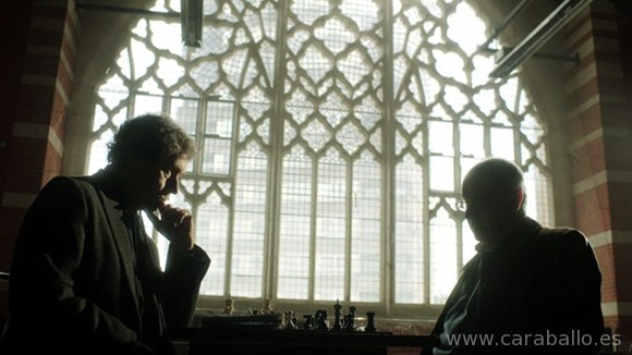 The Honourable Woman - Stephen Rea es Sir Hugh Hayden-Hoyle