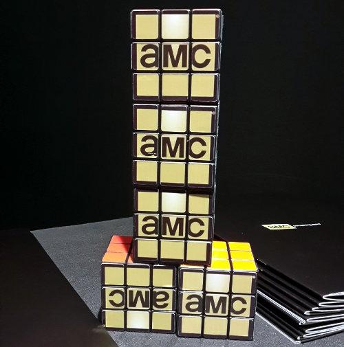 AMC en cubos.