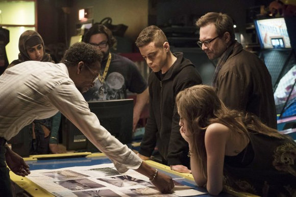 Mr Robot - Elliot y fsociety discuten 'El plan'