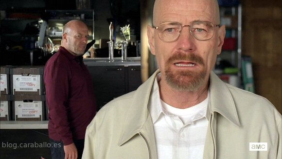 'Breaking Bad' 5.9. 'Blood Money'. Walter y Hank ponen las cartas sobre la mesa.