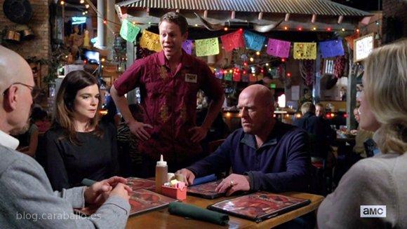 """Breaking Bad 5x11. 'Confessions (Confesiones)'. Trent ofrece el """"Guacamole incómodo"""" de Garduno's."""