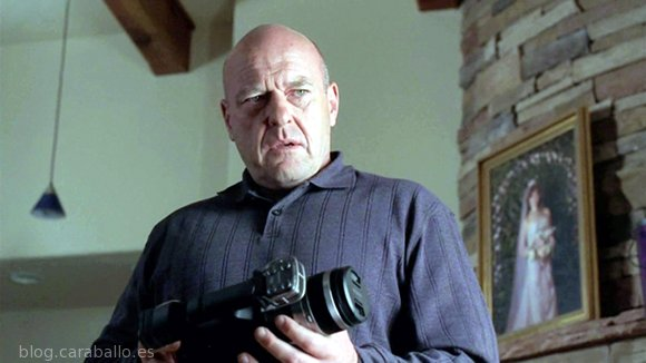 """Breaking Bad 5x12. 'Rabid Dog (Perro Rabioso)'. Hank: """"Pinkman es asesinado. Y lo tenemos todo grabado""""."""