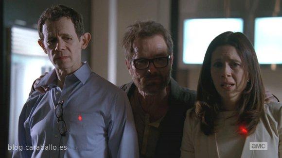 Breaking Bad Finale. Episodio 5x16. Felina. Elliott, Walt y Gretchen van a limpiar un poco de dinero.