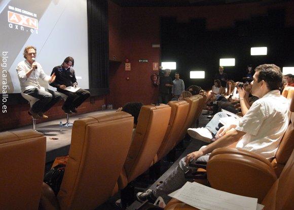 Entrevista a William Fichtner en el preestreno de Crossing Lines. Fichtner empieza a hacerme preguntas A MÍ - Foto: Amanda Díaz.