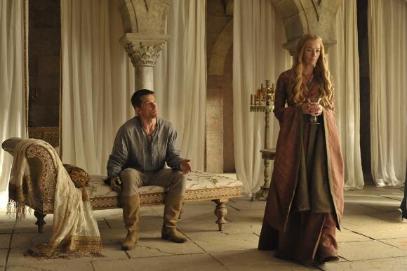 Juego de Tronos 4x01 - Dos Espadas - El distanciamiento entre Jaime y Cersei Lannister