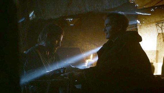 Juego de Tronos - Besada por el Fuego. Jaime y Qyburn