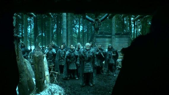 Juego de Tronos - La diezmada expedición del Lord Comandante regresa a la cabaña de Craster