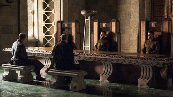 Juego de Tronos - Leyes de dioses y hombres. Stannis y Davos en el Banco de Hierro