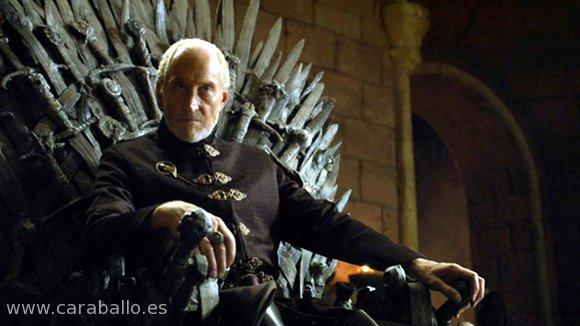 Juego de Tronos - Leyes de dioses y hombres. Tywin Lannister sentado en el Trono de Hierro