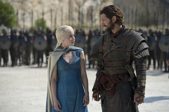 Juego de Tronos - Rompedoras de cadenas. Daenerys de la Tormenta y Daario Naharis