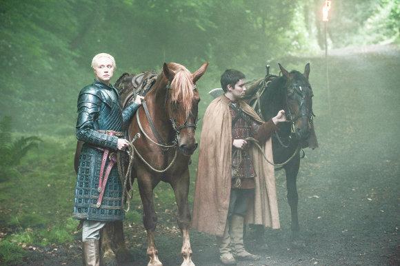 Juego de Tronos - Sinsonte (Mockingbird). Brienne y Podrick tras una nueva pista gracias a Pastel Caliente