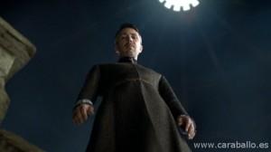 Juego de Tronos - Sinsonte (Mockingbird). Petyr Baelish en la Puerta de la Luna