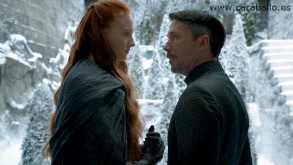 Juego de Tronos - Sinsonte (Mockingbird). Petyr se muestra ante Sansa