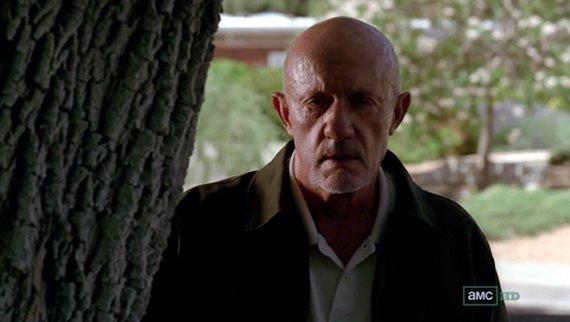 Mike (Jonathan Banks) debe hacer una dura elección.