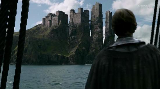 Theon llega a Pyke