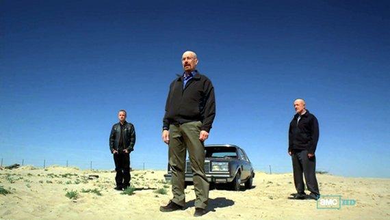 Walter, Jesse y Mike en una secuencia digna de Sergio Leone.