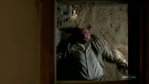 White y Heisenberg en su Crawl space