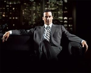 Vuelve Donald Draper, los encorbatados de Madison Avenue, las mujeres, el alcohol y el tabaco.